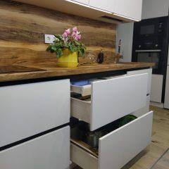 Кухня с Gola Гола профилем на заказ Тверь