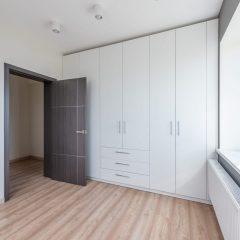 Шкаф с распашными дверями в спальню Тверь